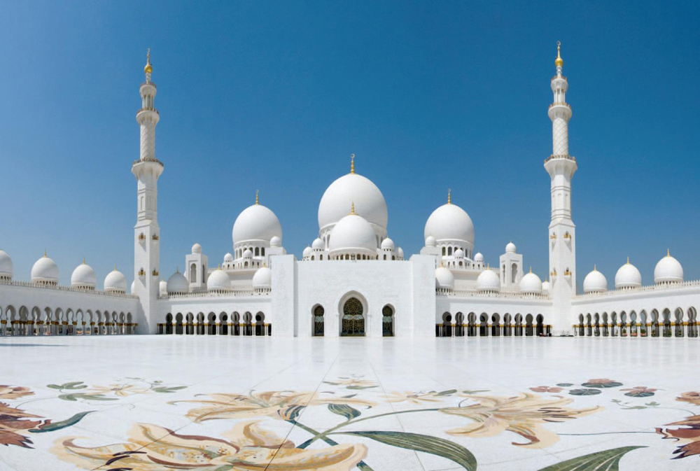 1. Sheikh Zayed Fantastic Mosque, United Arabic Emirates